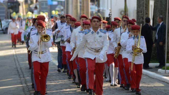 Alunos de colégios militares foram impedidos de se inscrever em competição sobre História.