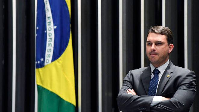Flávio Bolsonaro é um dos interessados no julgamento do STF nesta semana, sobre compartilhamento de dados com o MP