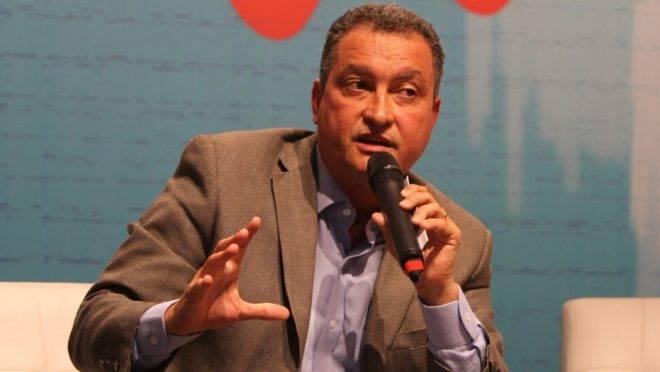 Rui Costa, governador da Bahia, rebate Bolsonaro sobre miliciano morto