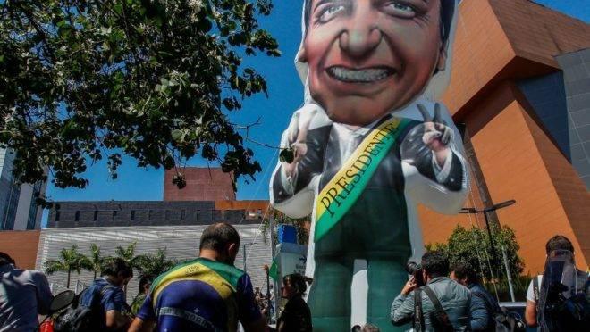 bolsonaro-boneco-inflavel