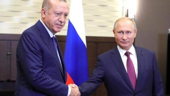 O presidente da Turquia, Recep Tayipp Erdogan, levou adiante a compra do sistema de defesa antimísseis russo S-400