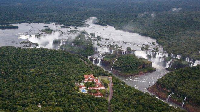 Vista aérea das Cataratas do Iguaçu.
