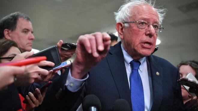 O senador dos EUA, Bernie Sanders, fala à mídia depois de uma apresentação a portas fechadas sobre o Irã no Capitólio dos EUA em Washington, DC, em 21 de maio de 2019.