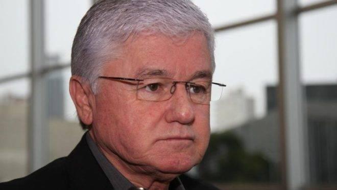 O ex-deputado estadual Valdir Rossoni (PSDB) é acusado de manter funcionários fantasmas entre 2003 e 2011.