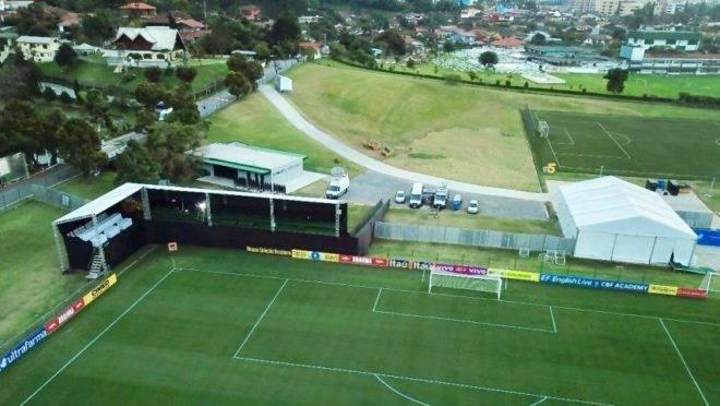 Com comissão técnica menor, seleção chega na Granja para Copa América