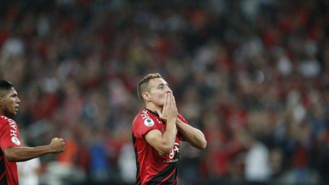 Atacante Marco Ruben celebra gol da vitória sobre o River Plate na partida de ida da Recopa Sul-Americana 2019