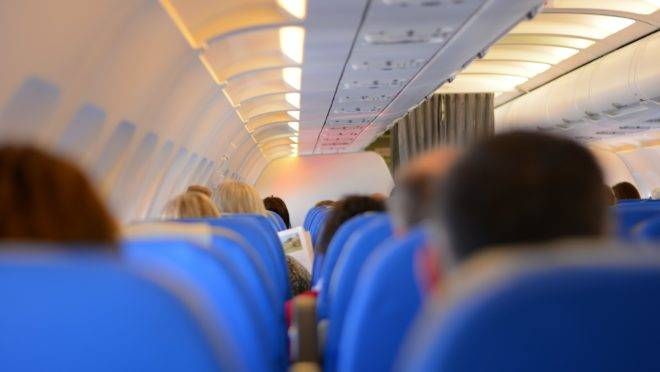 Decisão tomada pelo Congresso proibindo cobrança de bagagem parece benéfica, mas é lesiva ao consumidor.