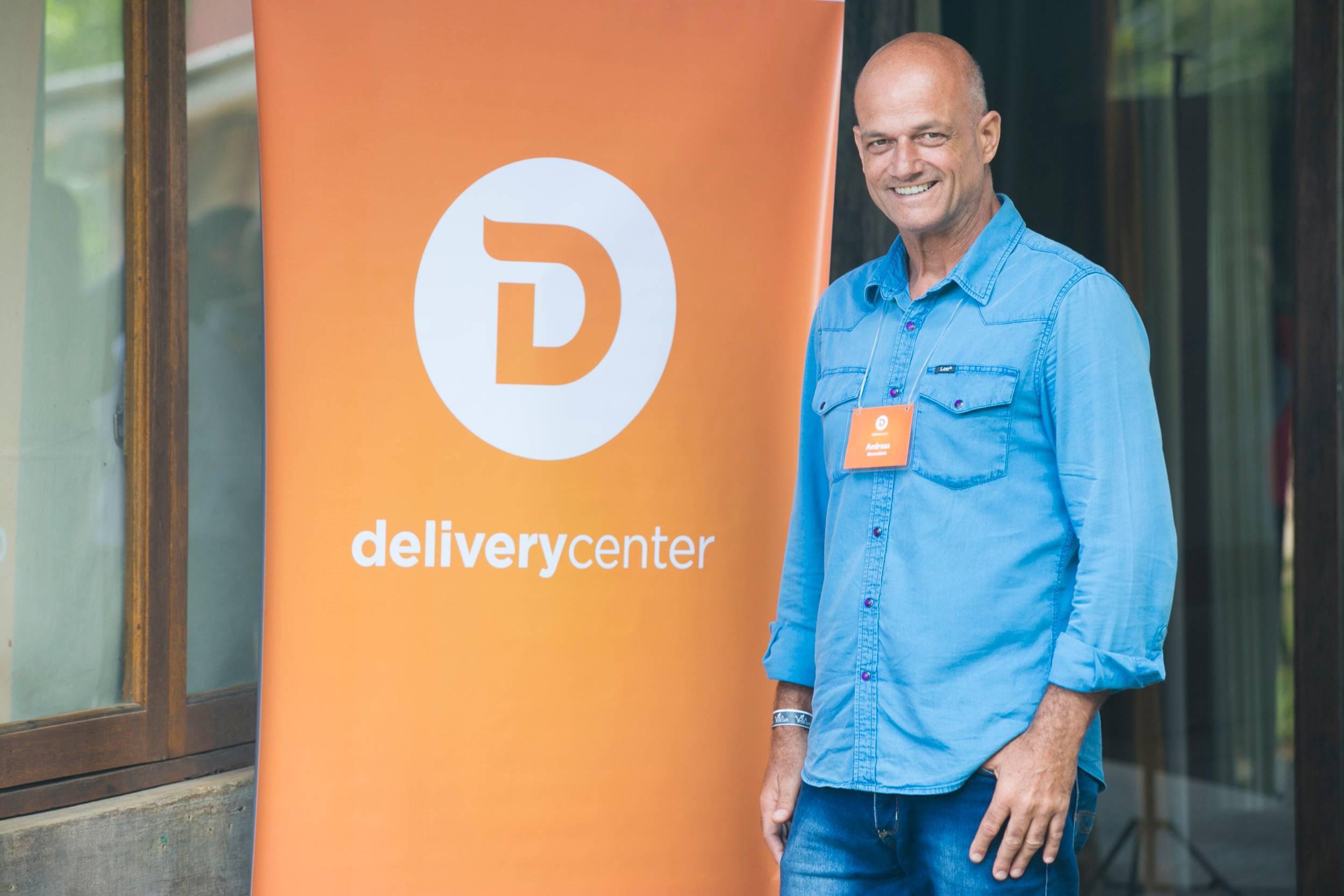 Andreas-Blazoudakis, é CEO da startup de expedição, coleta e entrega de produtos em geral Delivery Center.