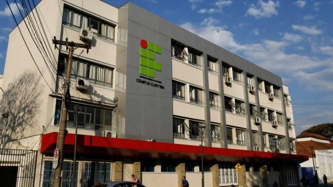 Fachada do Campus IFPR ( Instituto Federal do Paraná) Rua João Negrão 1285