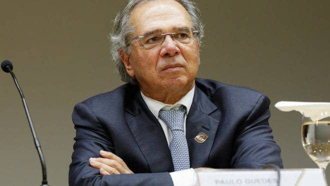 O ministro da Economia, Paulo Guedes, afirma que vai renunciar e deixar o país caso a reforma da Previdência não seja aprovada.