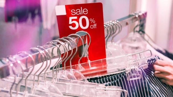Roupas e acessórios são os produtos falsificados mais apreendidos nos Estados Unidos.