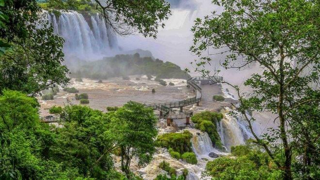 Cataratas no Parque Nacional do Iguaçu.