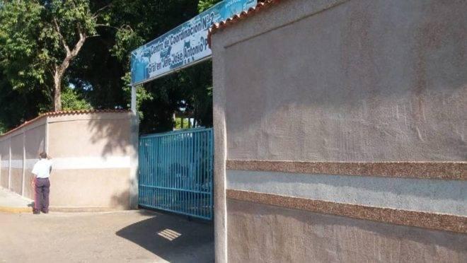 A fachada do centro policial em que presos foram mortos durante uma rebelião no estado venezuelano de Portuguesa