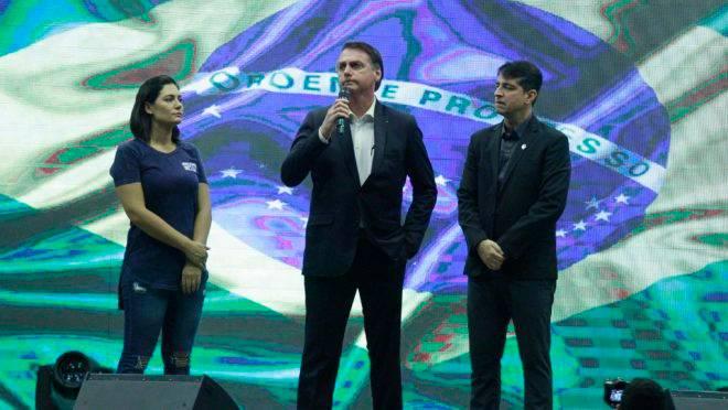 Discurso do presidente Jair Bolsonaro em igreja no Rio de Janeiro