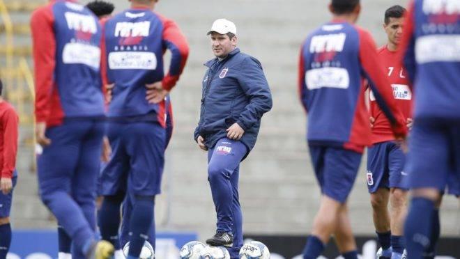 Paraná admite preocupação com ZR, mas aposta em série caseira para voltar a vencer