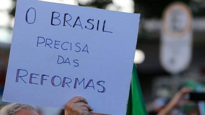 Bolsonaristas foram às ruas pedir reforma da Previdência. O que isso significa?