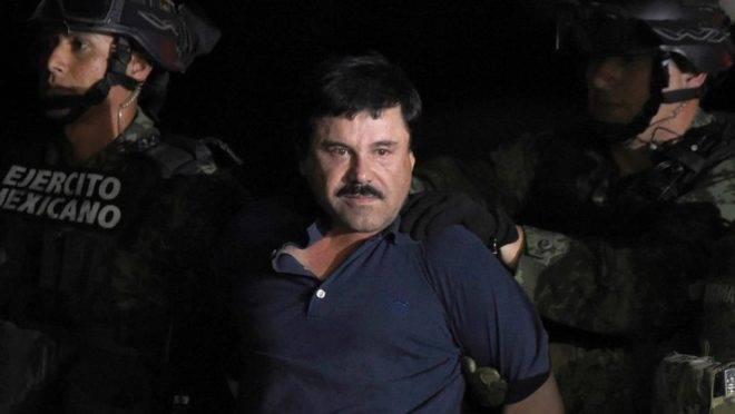 """Joaquin """"El Chapo"""" Guzmán, quando foi recapturado seis meses após fugir de uma prisão de segurança máxima no México em janeiro de 2016"""