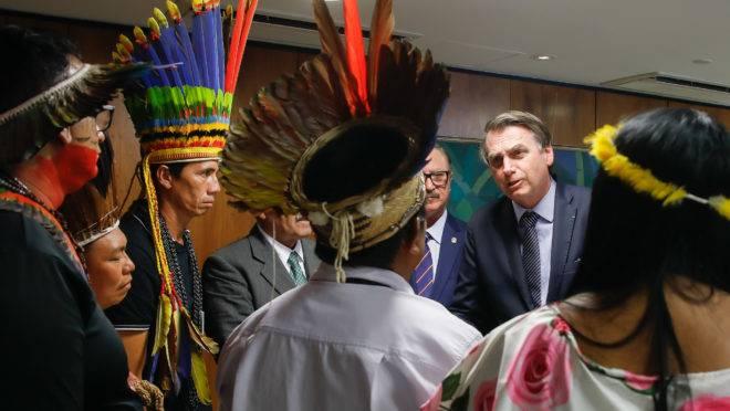 Presidente Jair Bolsonaro durante transmissão de live direitos dos povos indígenas para redes sociais. Foto: Carolina Antunes/PR