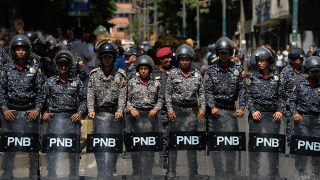 Membros da Polícia Nacional Bolivariana (PNB) em Caracas, 1 de fevereiro de 2019