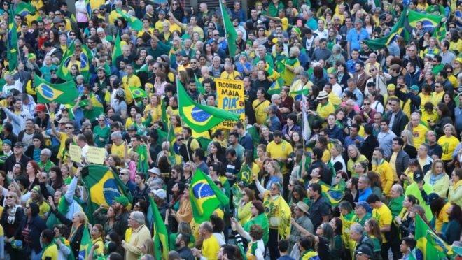 Manifestação pró-Bolsonaro em Curitiba, domingo, 26 de maio. Foto: Hedeson Alves/Gazeta do Povo