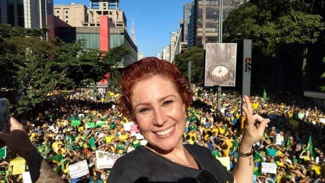A deputada federal Carla Zambelli (PSL) na manifestação de 26 de maio.