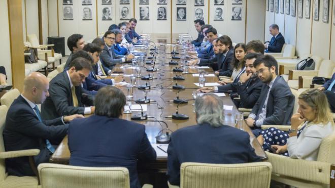 Equipe econômica em reunião com Rodrigo Maia e deputados que formam a força-tarefa. Foto: Gustavo Raniere/ME