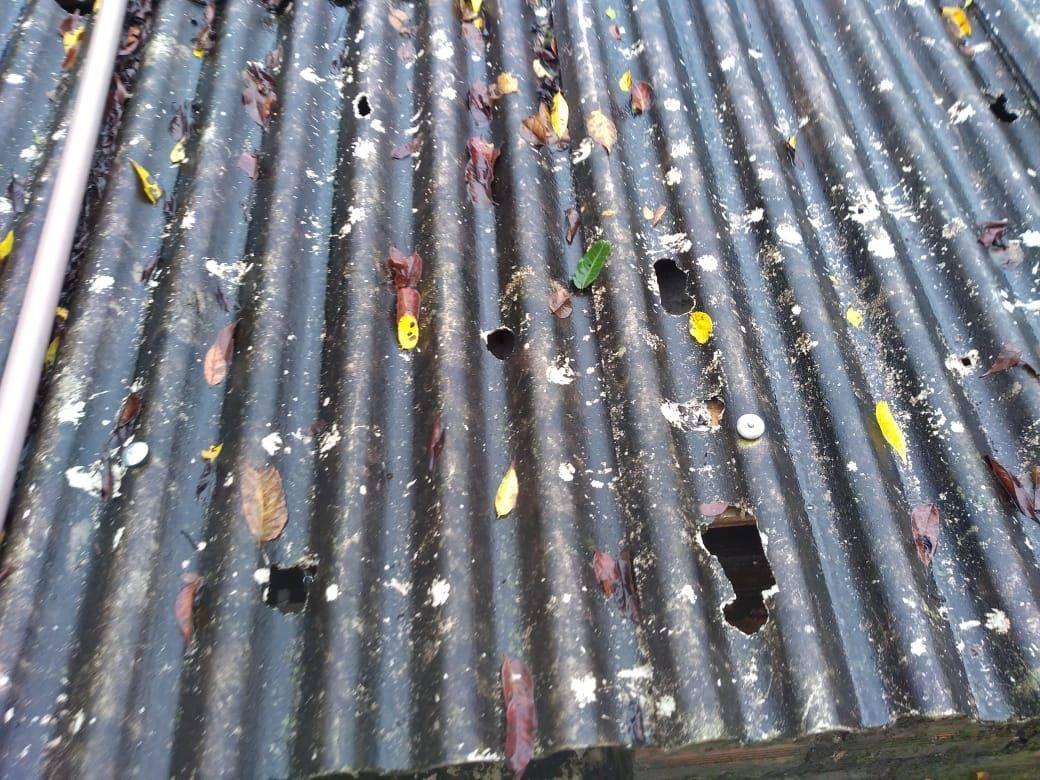 Estragos no telhado da SPAC causados pelo temporal desta quinta-feira (30)