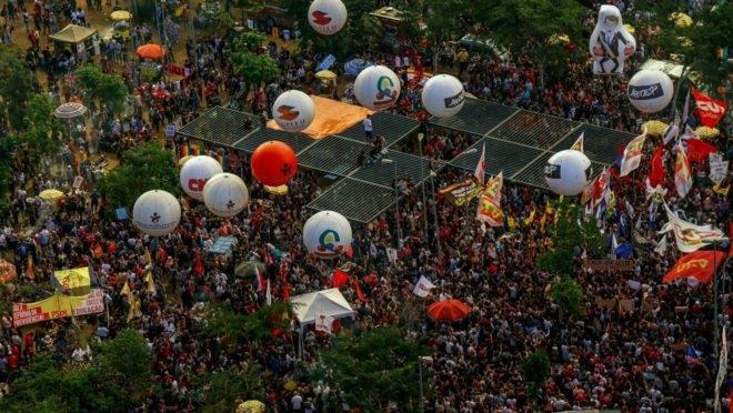 Protesto contra contingenciamento de verbas na educação em São Paulo