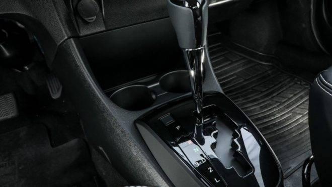 O Toyota Etios automático, o mais acessível da lista, possui câmbio de 4 velocidades. | Rafael Munhoz Divulgação