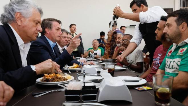 Presidente Jair Bolsonaro durante almoço com caminhoneiros em Anápolis - GO .Foto: Isac Nóbrega/PR