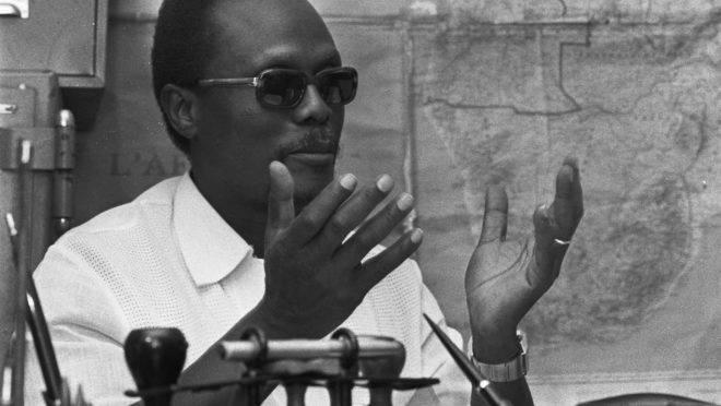 Holden Roberto, líder da Frente Nacional de Libertação de Angola