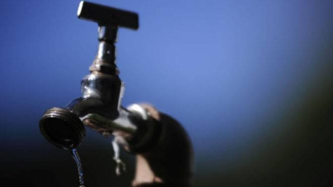 Mais de 100 bairros de Curitiba e RMC ficaram sem água no fim de semana