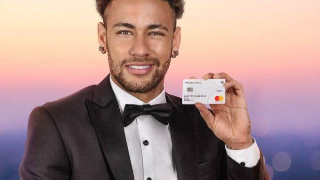 Mastercard retirou Neymar de publicidade após jogador receber acusação de estrupo.