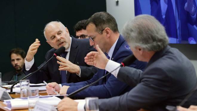 """O ex-ministro Guido Mantega fala à CPI do BNDES em 22 de maio de 2019: """"Nunca intercedi em favor de qualquer projeto""""."""