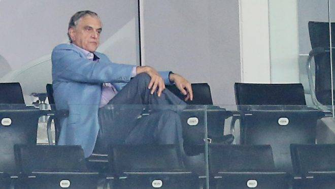 Petraglia venceu. Antes popular, torcedores do Athletico agora detonam promoção do Coritiba