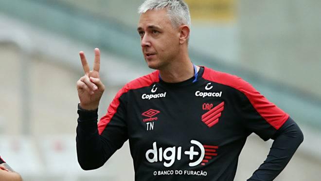 Técnico Tiago Nunes.  Foto: Albari Rosa/Gazeta do Povo