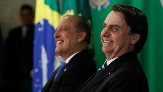 Jair Bolsonaro e Onyx Lorenzoni se reuniram na manhã deste domingo (9) e falaram sobre Previdência e pacto dos poderes