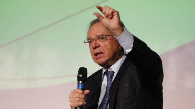 O ministro da Economia, Paulo Guedes, durante  Encontro Nacional da Indústria da Construção, na Barra da Tijuca, em 17 de maio de 2019.
