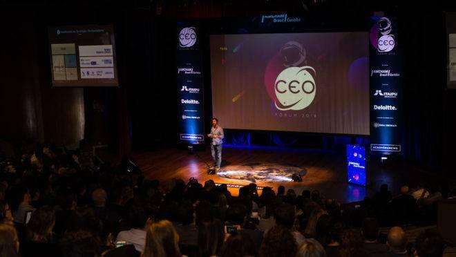 Imagem do CEO Fórum, que vai reunir 700 empresários na Òpera de Arame.