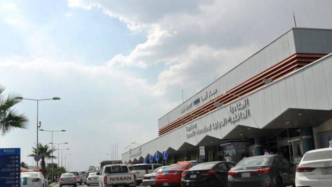 A entrada do aeroporto em Abha, no sudoeste da Arábia Saudita em 12 de junho de 2019. Um ataque de mísseis contra o aeroporto deixou vários feridos