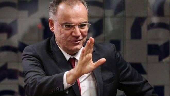 O relator na Comissão Especial da Reforma da Previdência, deputado Samuel Moreira, durante coletiva de imprensa sobre a reforma.