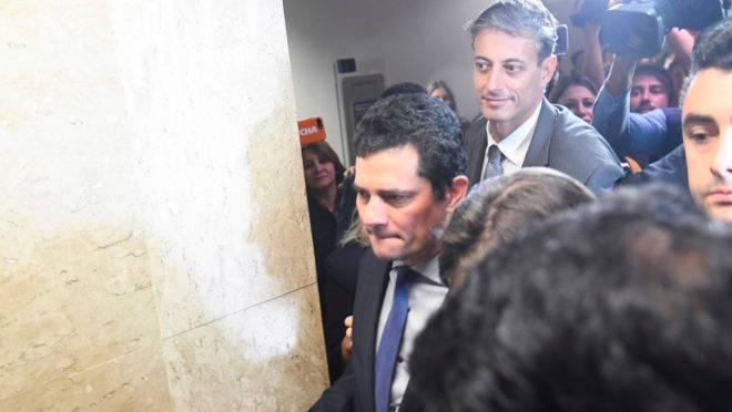 Sergio Moro nos corredores do Senado.
