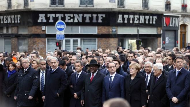 Foto tirada em janeiro de 2015 do encontro de lideranças europeias e de Israel após atentado terrorista em Paris.