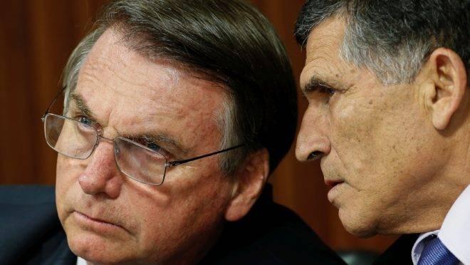 Santos Cruz, demitido, com Bolsonaro