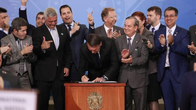 Decreto do Porte de Armas: assinatura
