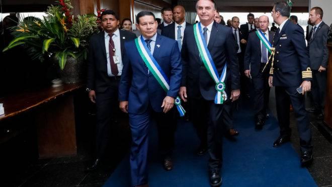 (Brasília - DF, 10/06/2019) Cerimônia comemorativa aos 20 anos de criação do Ministério da Defesa e imposição da Ordem do Mérito da Defesa.rFoto: Isac Nóbrega/PR