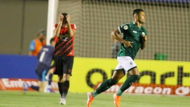 Kayke comemora o primeiro gol do Goiás. Foto: CARLOS COSTA/FUTURA PRESS/ESTADÃO CONTEÚDO