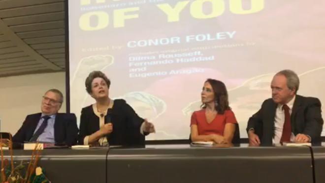 """A ex-presidente foi à UnB para participar do lançamento do livro """"In Spite of You: Bolsonaro and the New Brazilian Resistance""""."""