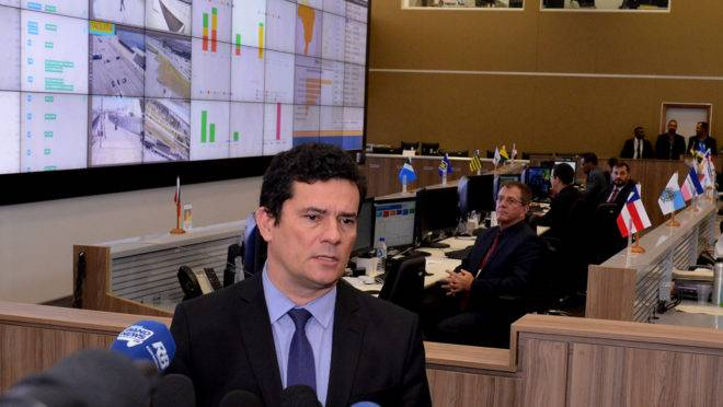 Sergio Moro durante entrevista no centro de controle de segurança da Copa América.