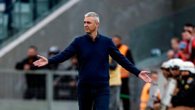 """Nunes pede reforços no Athletico, mas mostra pessimismo: """"Pouco provável"""""""